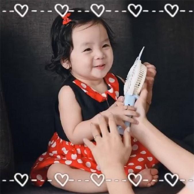Tan chay voi loat bieu cam cuc dang yeu cua con gai Hoai Lam - Bao Ngoc-Hinh-3