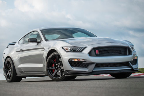 =4. Ford Mustang Shelby GT350 (8,2/10 điểm).