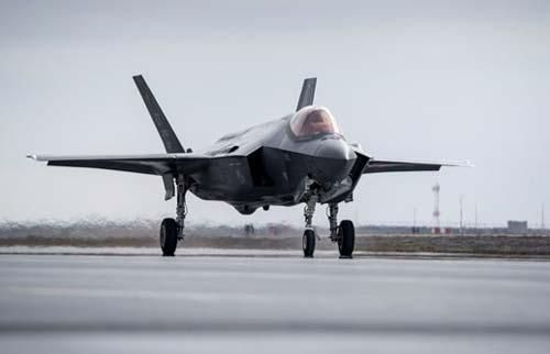 Tiêm kích tàng hình F-35.