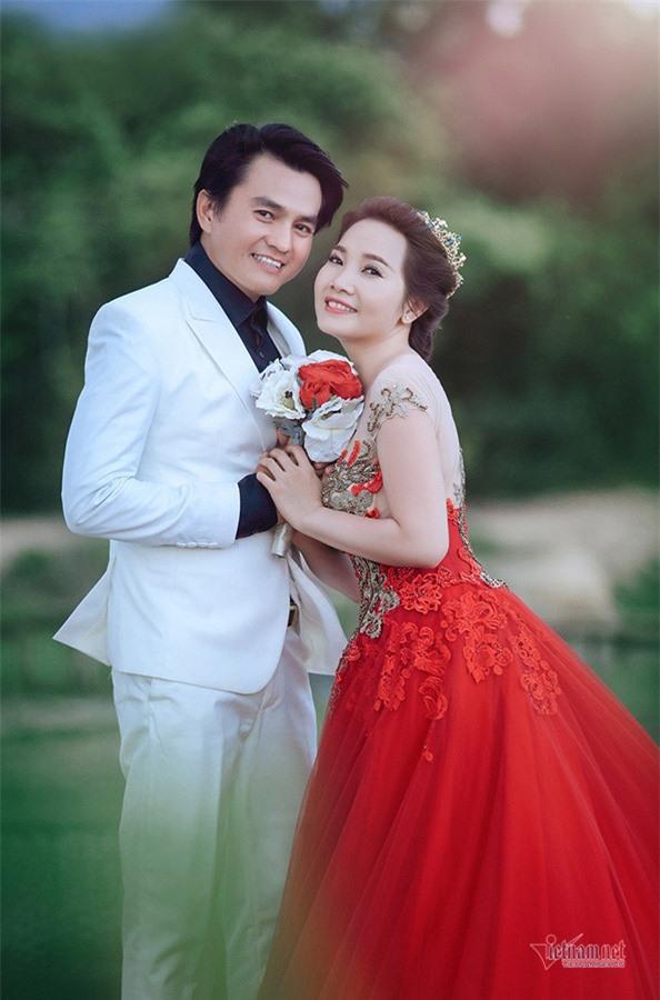Sau Tiếng sét trong mưa, Cao Minh Đạt bán mỹ phẩm giúp vợ đắt hàng - Ảnh 5.