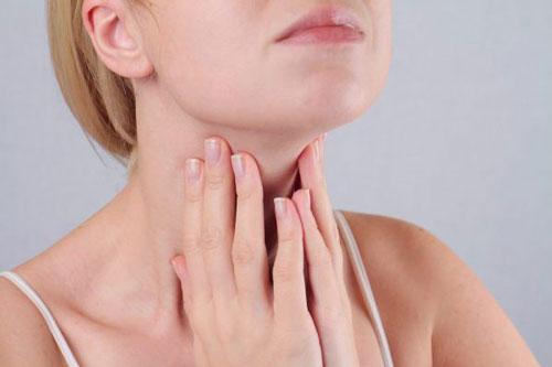 Nổi hạch ở cổ khi cơ thể bị các vi khuẩn, virus,... xâm nhập - Ảnh minh họa: Internet
