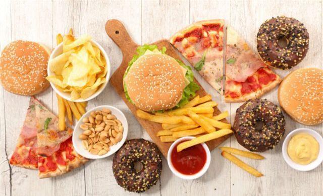 Mọi người đang ăn 7 loại thực phẩm gây lão hóa sớm - Ảnh 5.