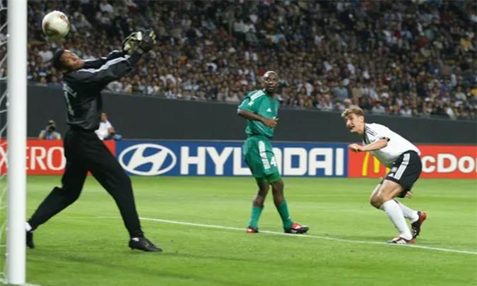 Klose từng ghi 3 bàn bằng đầu vào lưới Saudi Arabia tại World Cup 2002