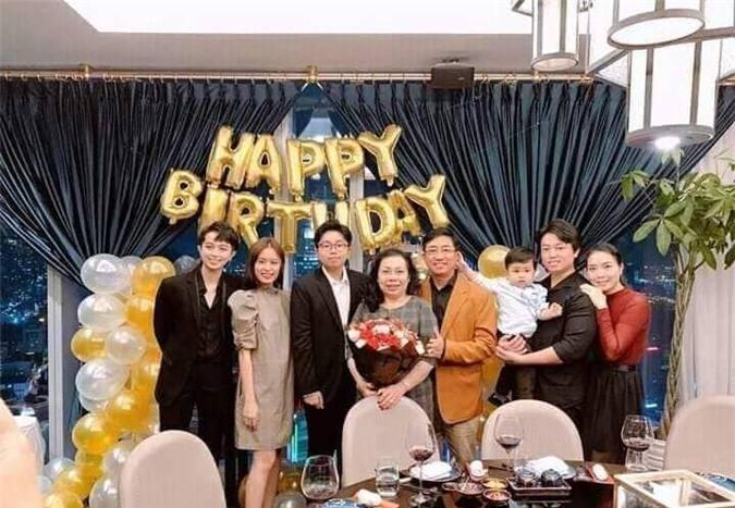 Hoang Thuy Linh va Gil Le lo anh hen ho: Yeu that hay lam tro?-Hinh-10