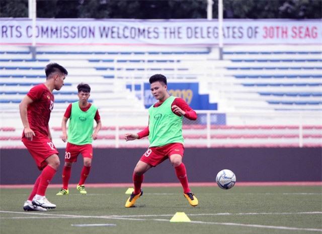 Quang Hải, Hùng Dũng ra sân tập, sẵn sàng thi đấu với U22 Lào - Ảnh 7.