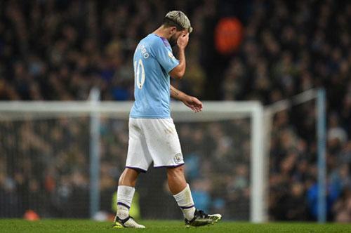 Man City mất Aguero trước chặng tourmalet ở Ngoại hạng Anh