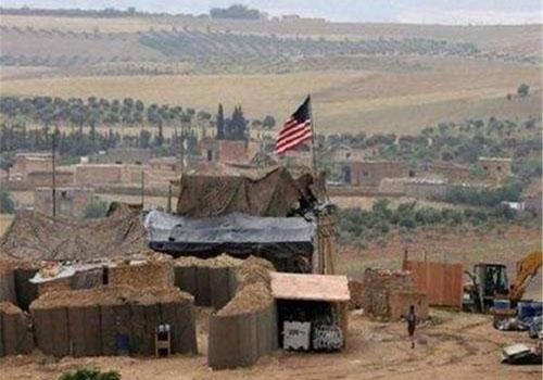 """Quân đội Mỹ đã rút khỏi 16/23 căn cứ và """"nhường"""" những cứ điểm này cho liên minh Nga – Syria. Nguồn: Sina"""
