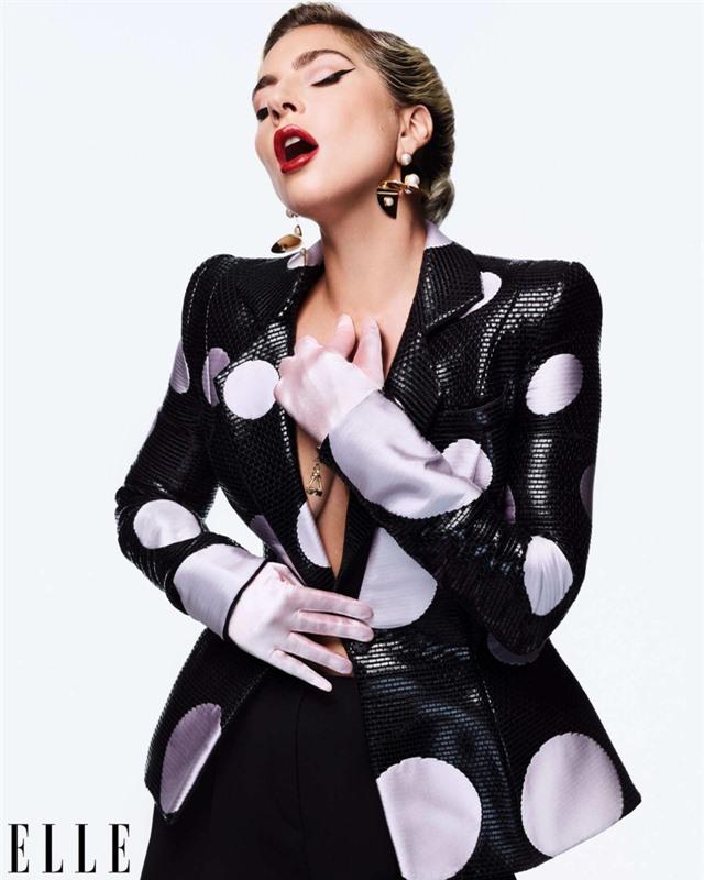 Khi Lady Gaga nổi loạn và nữ tính - Ảnh 7.