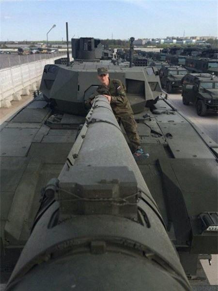 """Nga sap tiep nhan xe tang Armata phao co 152 mm """"khung"""" nhat the gioi?-Hinh-2"""