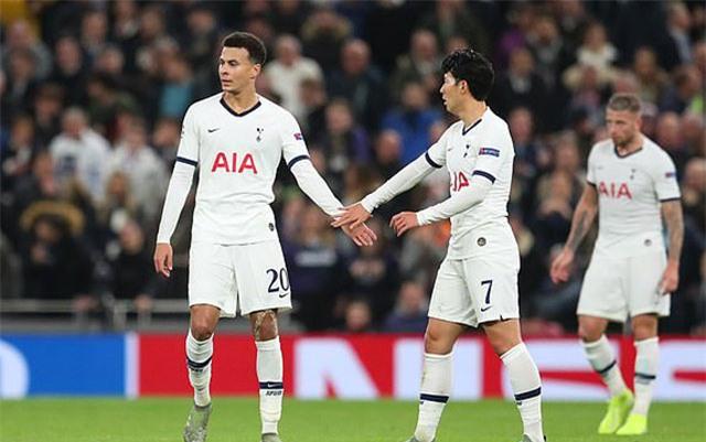 Tottenham ghi bàn ở phút bù giờ hiệp 1