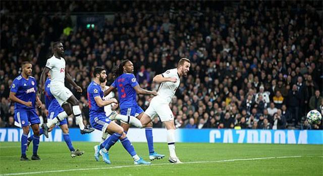 Kane ấn định chiến thắng cho Tottenham