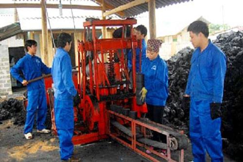 Than tổ ong sạch ở HTX Xuân Hạc giúp người dân bảo vệ môi trường và giảm nghèo