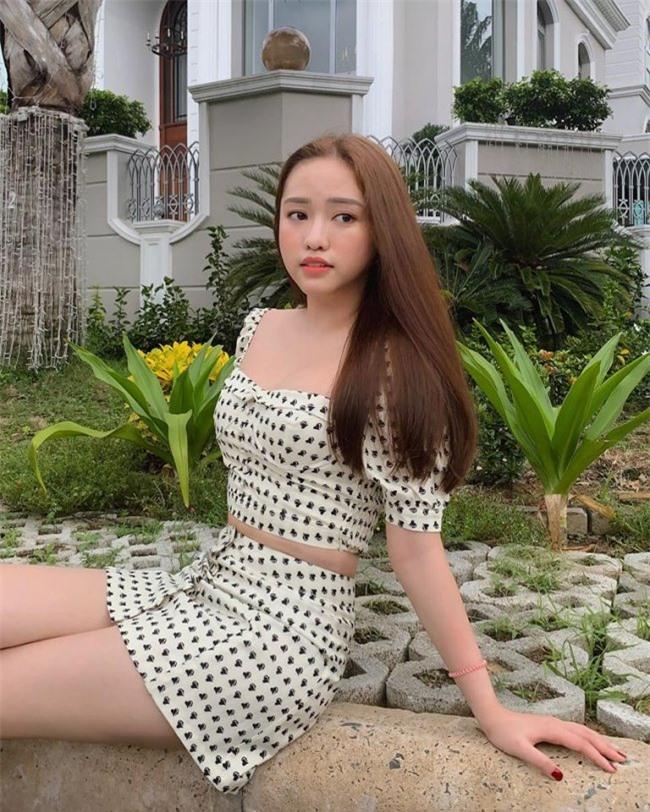 """cuong do la, minh nhua, phan thanh tung """"dieu dung"""" vi 3 hot girl nay hinh anh 18"""