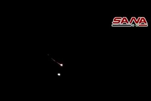 Vụ việc diễn ra trong vụ không kích mới do Israel thực hiện nhằm vào khu vực ngoại ô Damascus tối 20/11. Khi phát hiện ra cuộc không kích, tổ hợp phòng không Pantsir-S1 của Syria đã phóng đạn tên lửa đánh chặn. Tuy nhiên, không hiểu vì sao trong những quả đạn được khai hỏa thì có tới 2 quả bất ngờ tự hủy trên không.