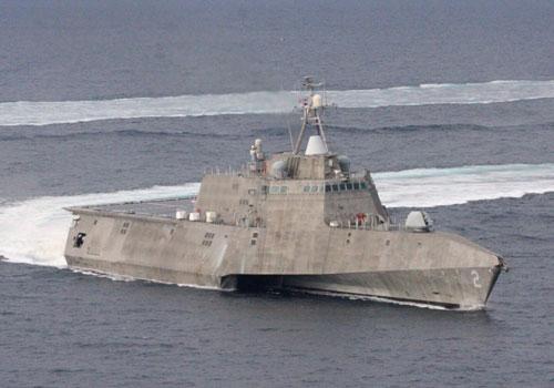 Hiện tại, Hải quân Mỹ đang huy động hai tàu chiến đấu ven bờ lớp Independence hoạt động trong vùng biển tranh chấp ở biển Đông. Đây được coi là một trong những đòn