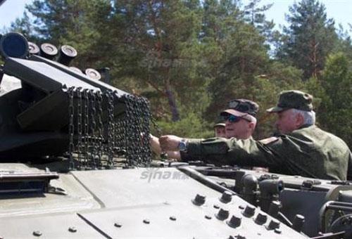 T-90M với hệ thống giáp đặc biệt.