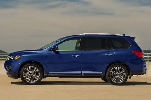 10. Nissan Pathfinder 2020.