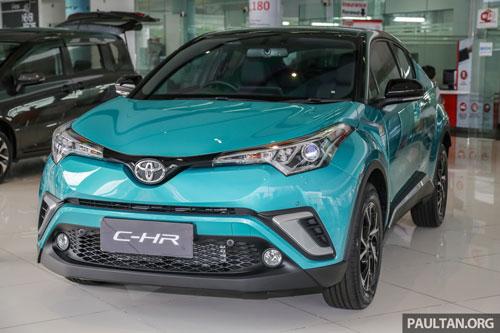 Toyota CH-R 2019 phiên bản 1.8 HV MID.