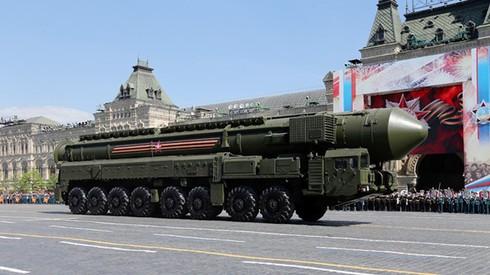 Trong các cuộc duyệt binh gần đây của Nga, chủ yếu là phô diễn sức mạnh lực lượng tên lửa hạt nhân chiến lược. Nguồn: Sina
