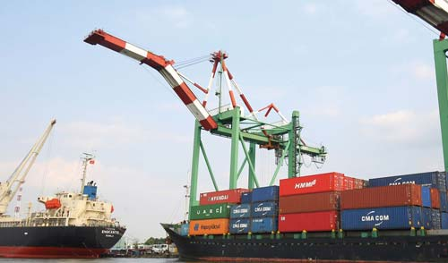 EVFTA có thể giúp kim ngạch xuất khẩu của Việt Nam sang EU tăng thêm khoảng 42,7% vào năm 2025 so với không có Hiệp định. Ảnh: Lê Tiên.