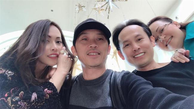 Nhân dịp cuối năm, Hoài Linh hiếm hoi chia sẻ hình ảnh quây quần bên các anh chị em ở Mỹ - Ảnh 4.
