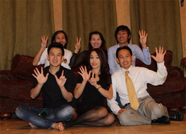 Nhân dịp cuối năm, Hoài Linh hiếm hoi chia sẻ hình ảnh quây quần bên các anh chị em ở Mỹ - Ảnh 5.