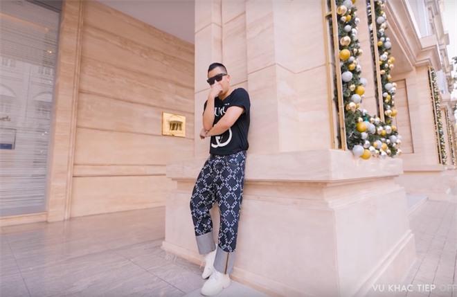 """Vũ Khắc Tiệp và Ngọc Trinh tiết lộ chi phí quay vlog mỗi tập tốn hơn nửa tỷ, hứa hẹn sắp tái hợp trong """"bom tấn"""" du lịch Dubai - Ảnh 8."""