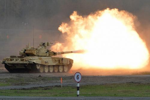 Nga đã tăng giá bán 464 xe tăng T-90MS cho Ấn Độ từ mức 1,9 tỷ USD thành 2,8 tỷ USD và giờ đây là 3,12 tỷ USD. Ảnh: TASS.