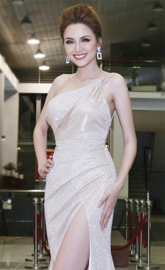 Hoa hậu Diễm Hương bất ngờ thú nhận đã động chạm dao kéo trên mặt - Ảnh 4.