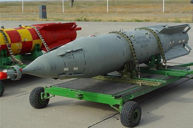 Het kien nhan voi phien quan, Nga nem sieu bom KAB-1500 xuong Syria-Hinh-6