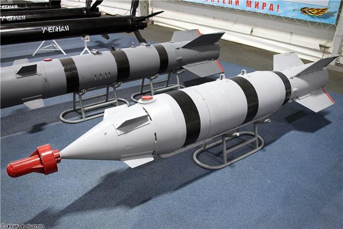 Het kien nhan voi phien quan, Nga nem sieu bom KAB-1500 xuong Syria-Hinh-9