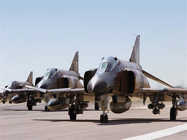 Moi tiet lo: F-22 My giai cuu UAV MQ-1 truoc hong sung chien co F-4 Iran-Hinh-11