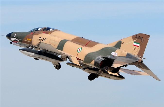 Moi tiet lo: F-22 My giai cuu UAV MQ-1 truoc hong sung chien co F-4 Iran-Hinh-4
