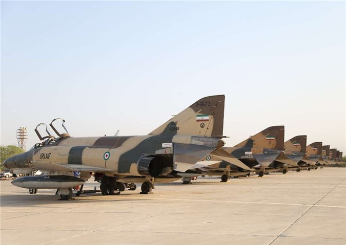 Moi tiet lo: F-22 My giai cuu UAV MQ-1 truoc hong sung chien co F-4 Iran-Hinh-6