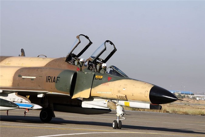 Moi tiet lo: F-22 My giai cuu UAV MQ-1 truoc hong sung chien co F-4 Iran-Hinh-7