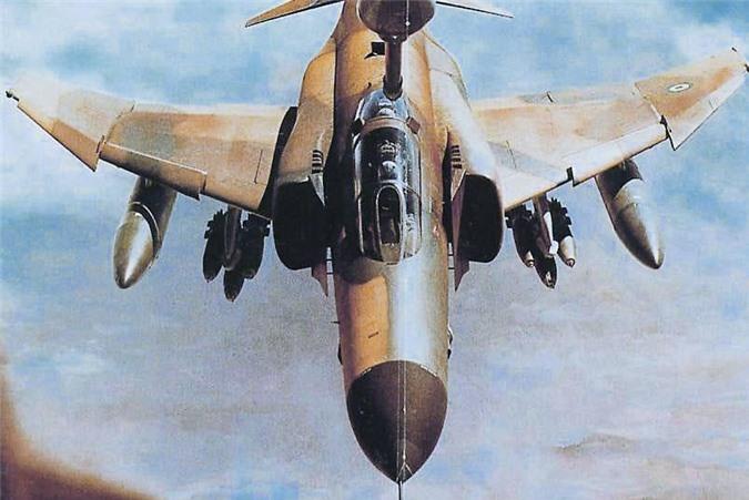 Moi tiet lo: F-22 My giai cuu UAV MQ-1 truoc hong sung chien co F-4 Iran-Hinh-9