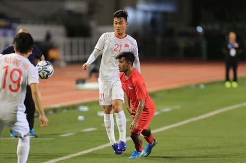 Đức Chiến nhận 2 thẻ vàng, không thể thi đấu trận gặp Thái Lan - Ảnh: Đức Cường.