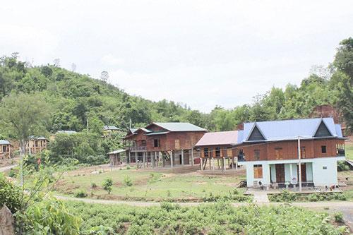 Nông thôn miền núi Quảng Trị khởi sắc nhờ NTM