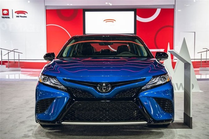 Toyota Camry AWD 2020 lo dien sau 28 nam vang bong-Hinh-8