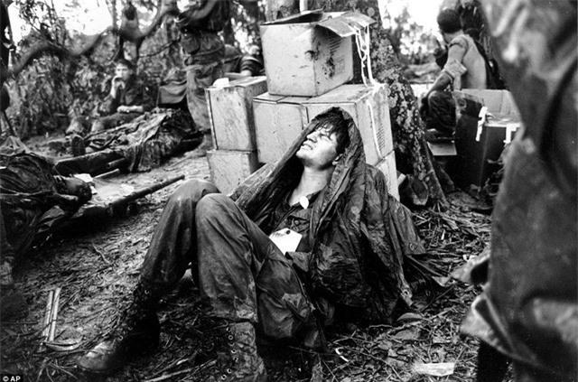 Khoanh khac qua doc linh My reu ra trong Chien tranh Viet Nam-Hinh-6