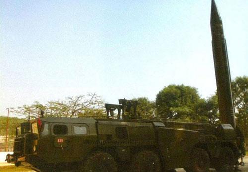 Loại tên lửa đạn đạo duy nhất trong biên chế Quân đội Việt Nam, cũng là loại duy nhất ở Đông Nam Á hiện nay là tên lửa Scud. Nguồn ảnh: QPVN.