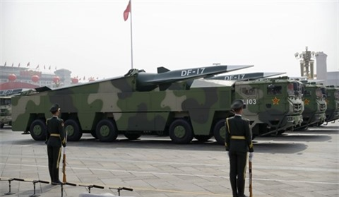Bao Trung Quoc khoe ten lua DF-41 khien Sarmat, Avangard'hit khoi'
