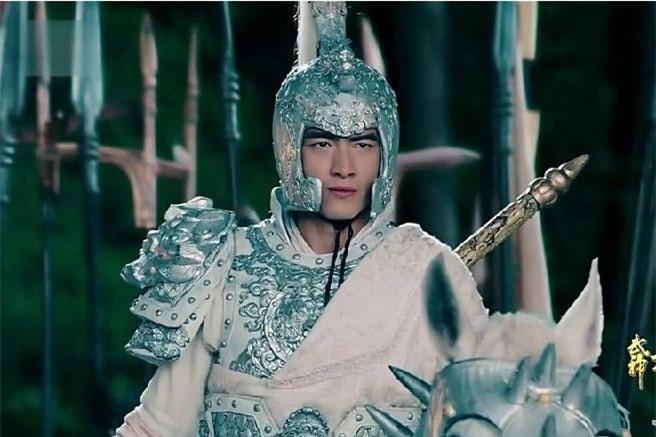 Giai ma bao boi danh dich sieu pham cua danh tuong Trieu Van-Hinh-6