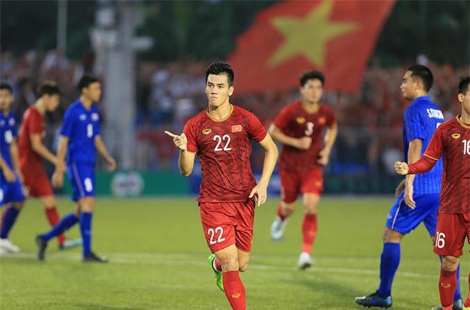 Tiến Linh lập cú đúp giúp U22 Việt Nam giành vé vào bán kết SEA Games 30 - Ảnh: Đức Cường