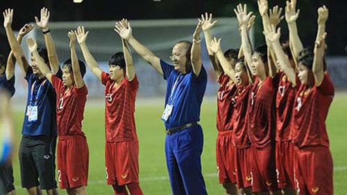 Từ Nhật Bản, Thủ tướng Chính phủ gửi lời chúc mừng hai đội tuyển