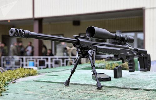 Trong một cuộc phỏng vấn với Sputnik, Tổng giám đốc Công ty phát triển ORSIS - nơi khai sinh ra khẩu ORSIS T-5000 đã cho biết, Việt Nam vừa đặt mua một lô hàng lớn số lượng súng bắn tỉa T-5000 cho cơ quan thực thi pháp luật ở nước này. Nguồn ảnh: Sputnik.