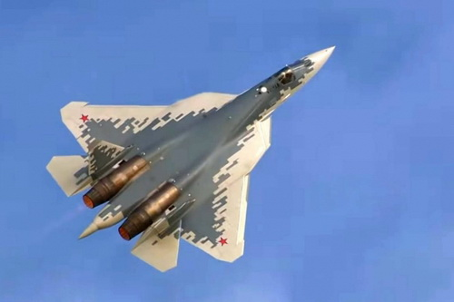 Mẫu thử nghiệm Sukhoi T-50 của tiêm kích tàng hình Su-57. Ảnh: TASS.