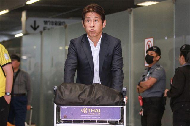 """HLV Nishino: """"Tôi xin lỗi tất cả người hâm mộ bóng đá Thái Lan"""" - 1"""
