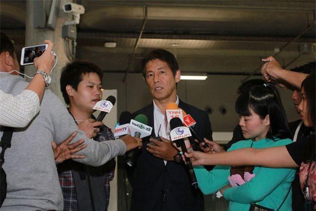 """HLV Nishino: """"Tôi xin lỗi tất cả người hâm mộ bóng đá Thái Lan"""" - 3"""