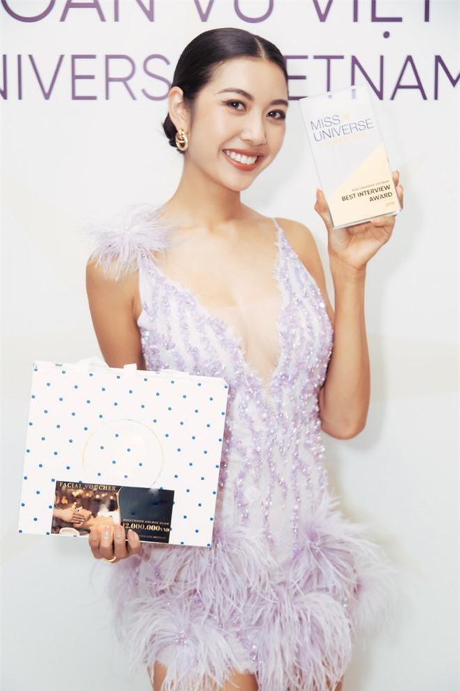 Lại thắng thêm giải thưởng phụ trước giờ G, vương miện Hoa hậu Hoàn vũ đang ở rất gần tầm tay của Thúy Vân! - Ảnh 2.